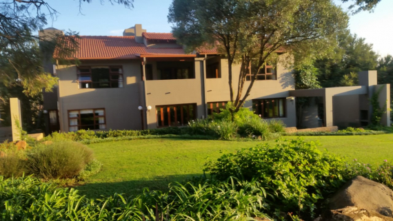 BidEasy Auctions: SPACIOUS 4 BED FAMILY HOME, MAGALIES GOLF ESTATE, HARTBEESPOORT
